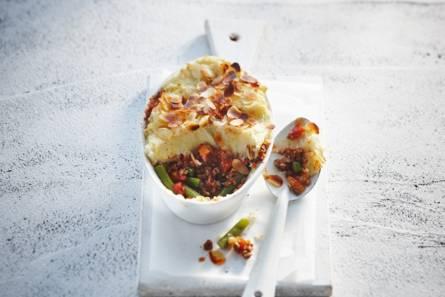 Ovenschotel van vegagehakt, sperziebonen en puree