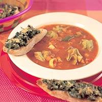 Italiaanse soep met spinazie-crostini recept