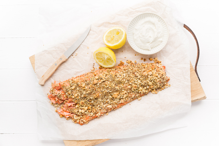 Hele zalm met dukkah  feel good food kerstmenu