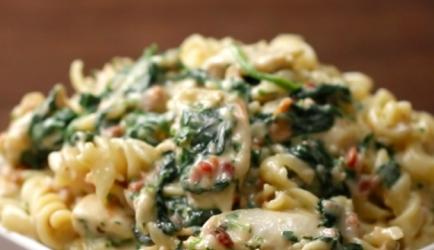 Kip spinazie alfredo recept