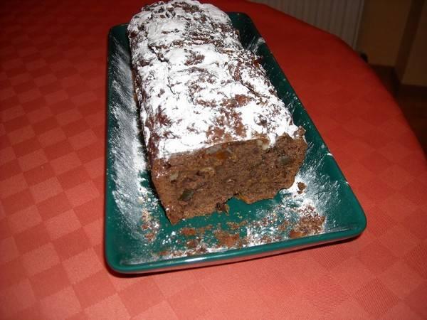 Chocoladecake met zuidvruchten en noten recept
