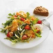 Salade met zalm en aardbeien recept
