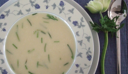 Romige knoflook-uien soep recept
