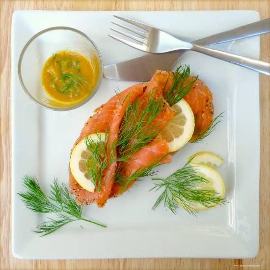 Gravad lax (gemarineerde zalm) met sinaasappel en gember ...