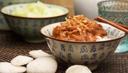 Overheerlijke pindakip met rijst recept