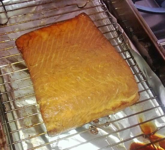 Zelf gerookte zalm met mosterd-dillesaus recept
