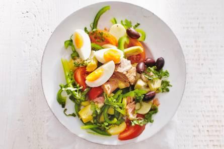 Snelle salade niçoise met aardappeltjes