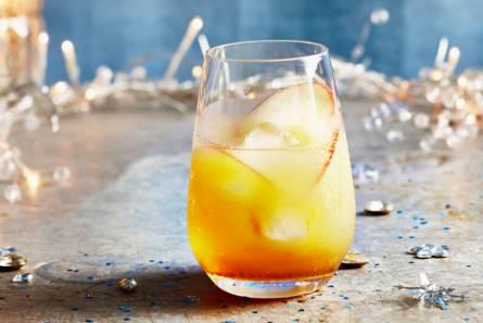 Whisky met appelsap en vlierbloesemsiroop