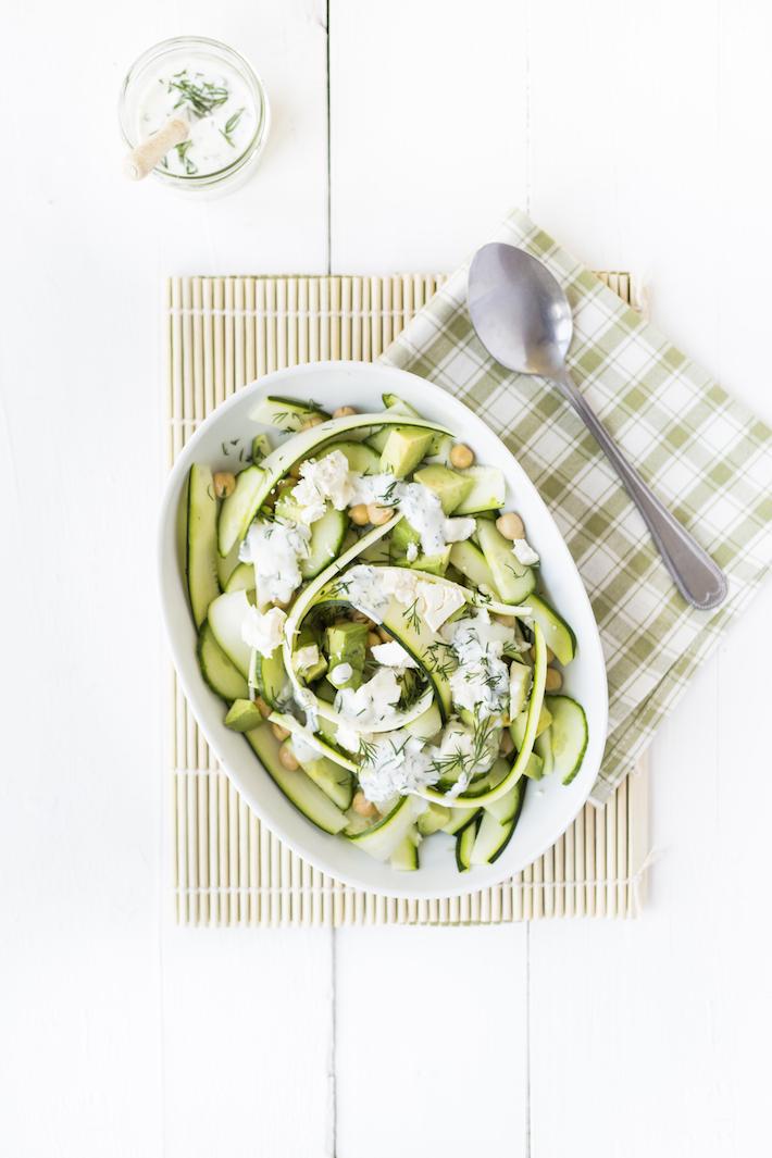 Fresh & easy: courgettesalade met muntdressing