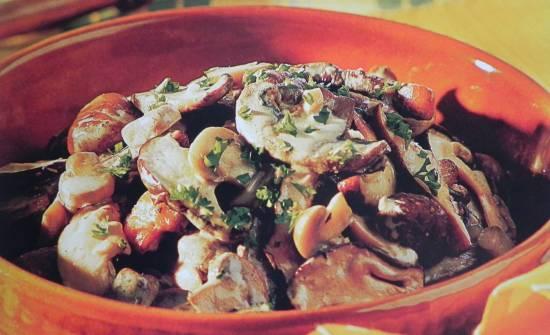 Knoflook champignons met witte wijn en kastanjes recept ...