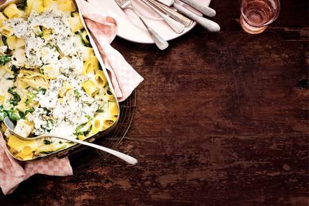 Rigatoni met spinazie, venkel en kaas