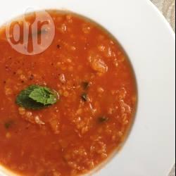 Linzen-tomatensoep met sinaasappel recept