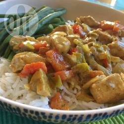 Kip curry met paprika, prei en champignons recept
