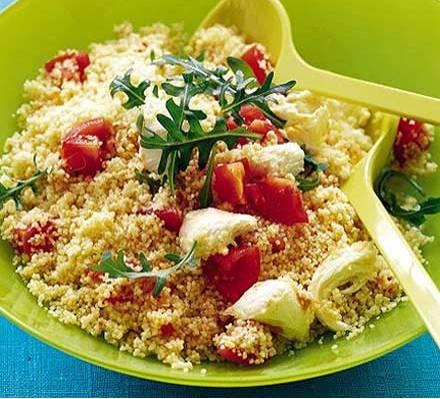 Tomaten en mozzarella couscous salad recept
