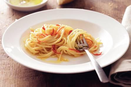 Spaghetti all'aglio, olio e peperoncino
