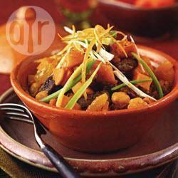 Marokkaanse rundvleestajine met zoete aardappelen, kikkererwten ...