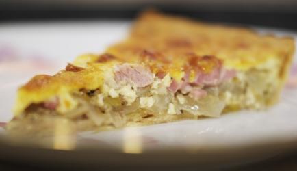 Hartige taart witlof, (rauwe)ham, pittige kaas recept