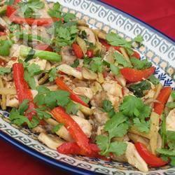 Thaise gemberkip (gai pad king) recept