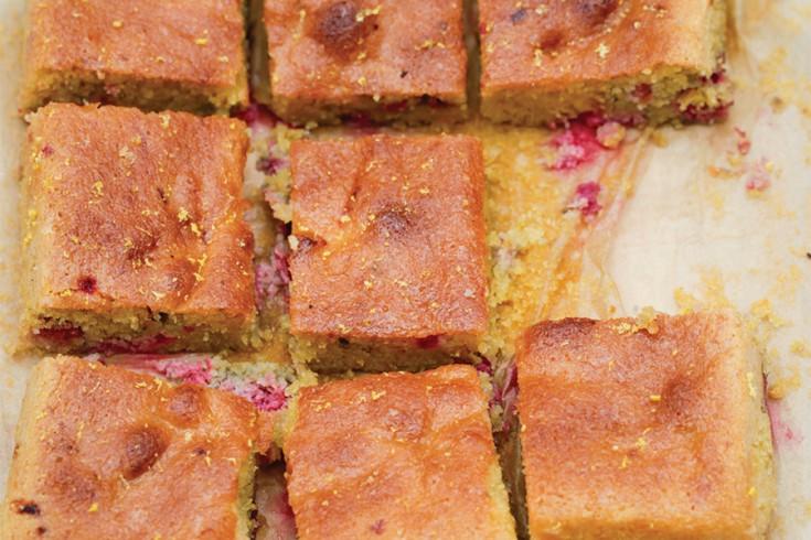 Warme frambozencake met citroen van nigella lawson