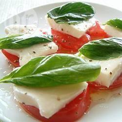 Tomatensalade met mozzarella recept
