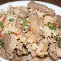 Rosie's gebakken rijst (nasi) met rundvlees recept