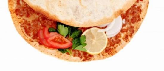 Turkse pizza (lahmacun) recept