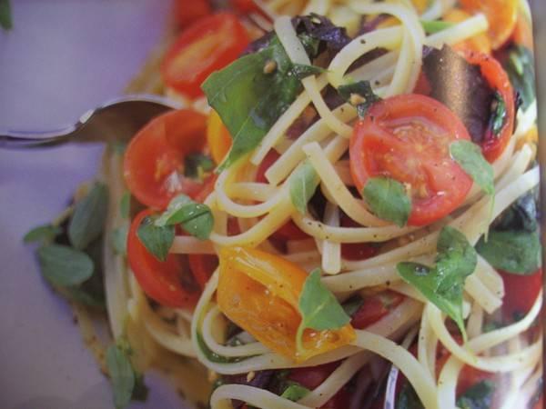 Spaghetti met kerstomaatjes van jamie oliver recept