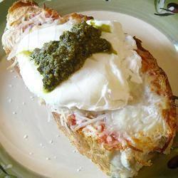 Gepocheerde caprese eieren recept