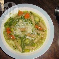 Italiaanse maaltijdsoep met pesto recept
