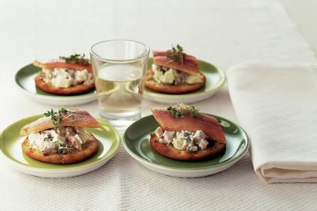 Toastje paling met appelsalade