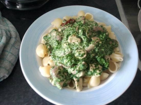 Pasta met kip, spinazie, champignons en boursin recept ...