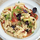 Vegetarische pasta met tomaten en tuinkruiden (jamie oliver ...