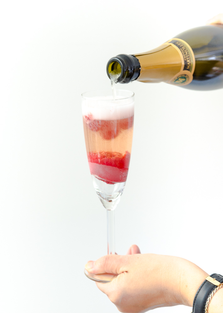 Video: champagne float cocktail