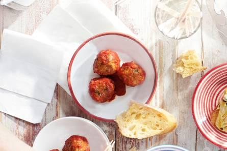 Spaanse gehaktballetjes in pittige tomatensaus (albondigas ...