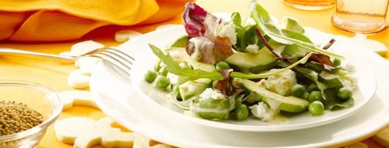 Salade van jonge bladsla, erwtjes en zachte geitenkaas recept ...