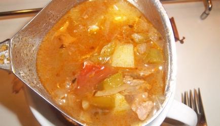 Overheerlijke goulash soep met paprika van jamie recept ...