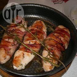 In bacon gewikkelde kipfilet en gegrilde asperges recept