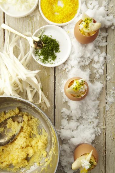 Recept 'feestelijk roereitje met asperges'