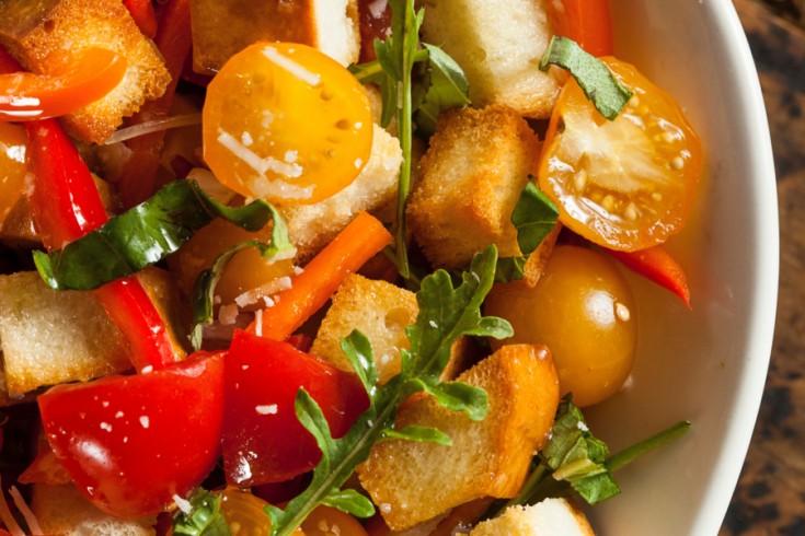 Zo maak je de perfecte panzanella (italiaanse broodsalade)