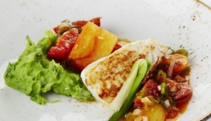 Gebakken pladijs met peterseliepuree, tomaat en jonge ui recept ...