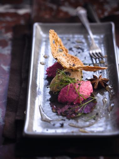 Recept 'foie gras met rode bietenmousse & jasmijnsaus'