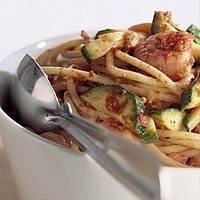 Spaghetti courgette tapenade recept