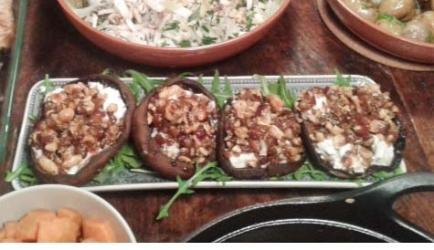Portobello's gevuld met geitenkaas en dadels recept