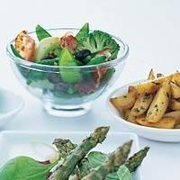 Gekruide aardappelpartjes met rozemarijn enrode ui recept ...
