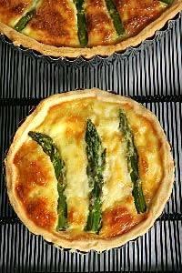 Hartige taart met groene asperges recept