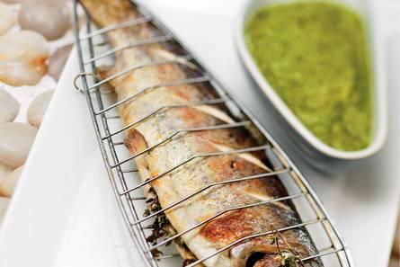 Geroosterde forel met salsa verde