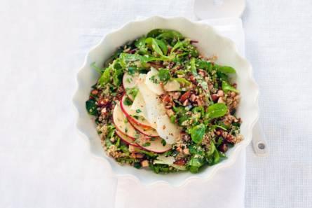Robuuste salade met quinoa en manchego