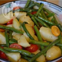 Salade met krielaardappelen, tomaat en sperziebonen recept ...