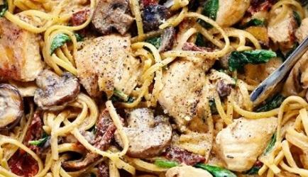 Eenpans romige kip-champignon florentine recept