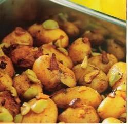 Aardappeltjes met knoflook, citroen en olijven uit de ...